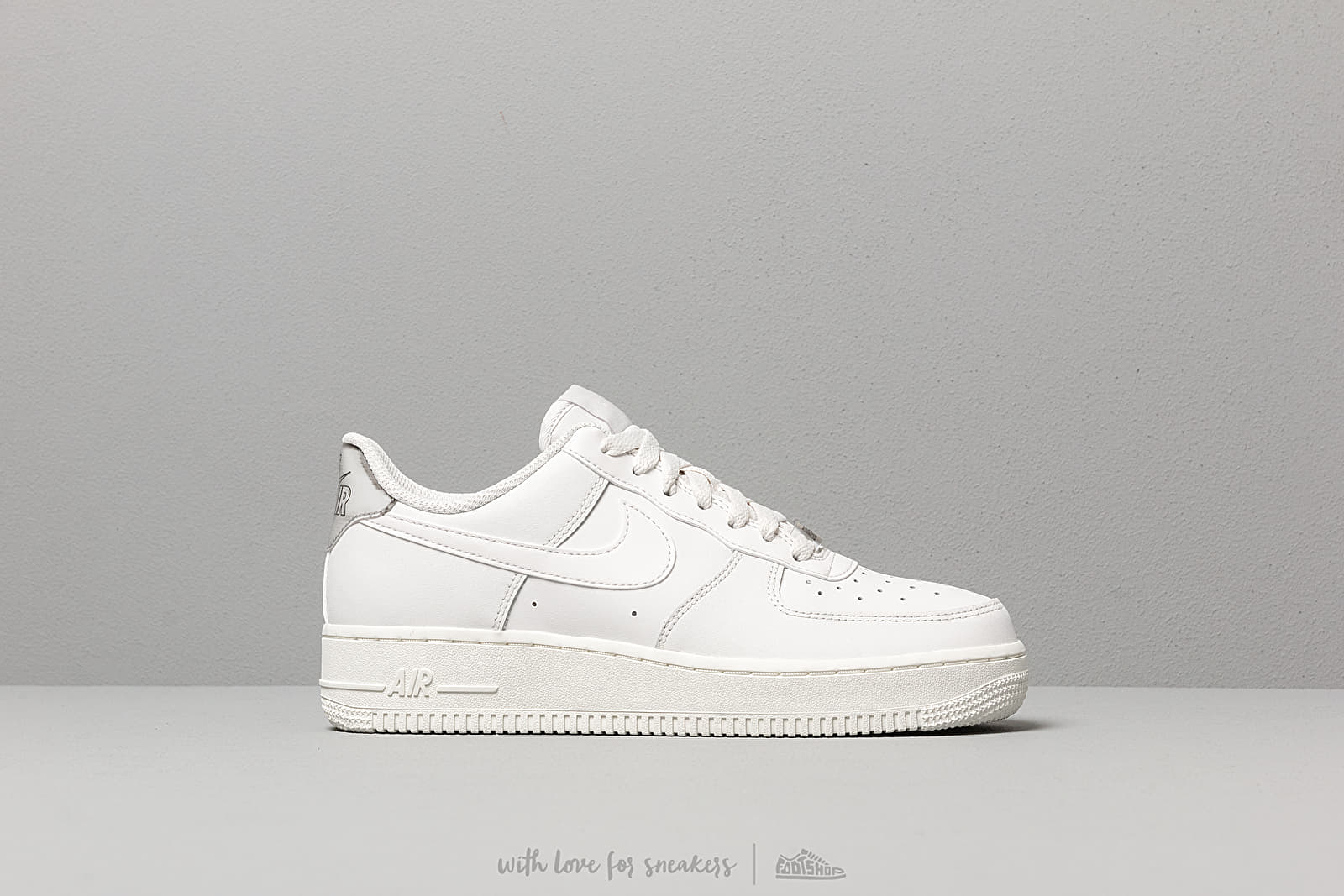 Nike Wmns Air Force 1 '07 Essential Platinum Tint Platinum Tint Summit White | Footshop
