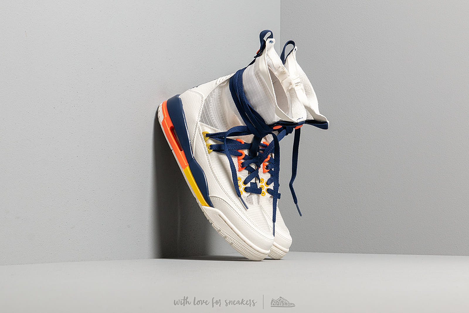 W Air Jordan 3 Retro Exp Lite Xx