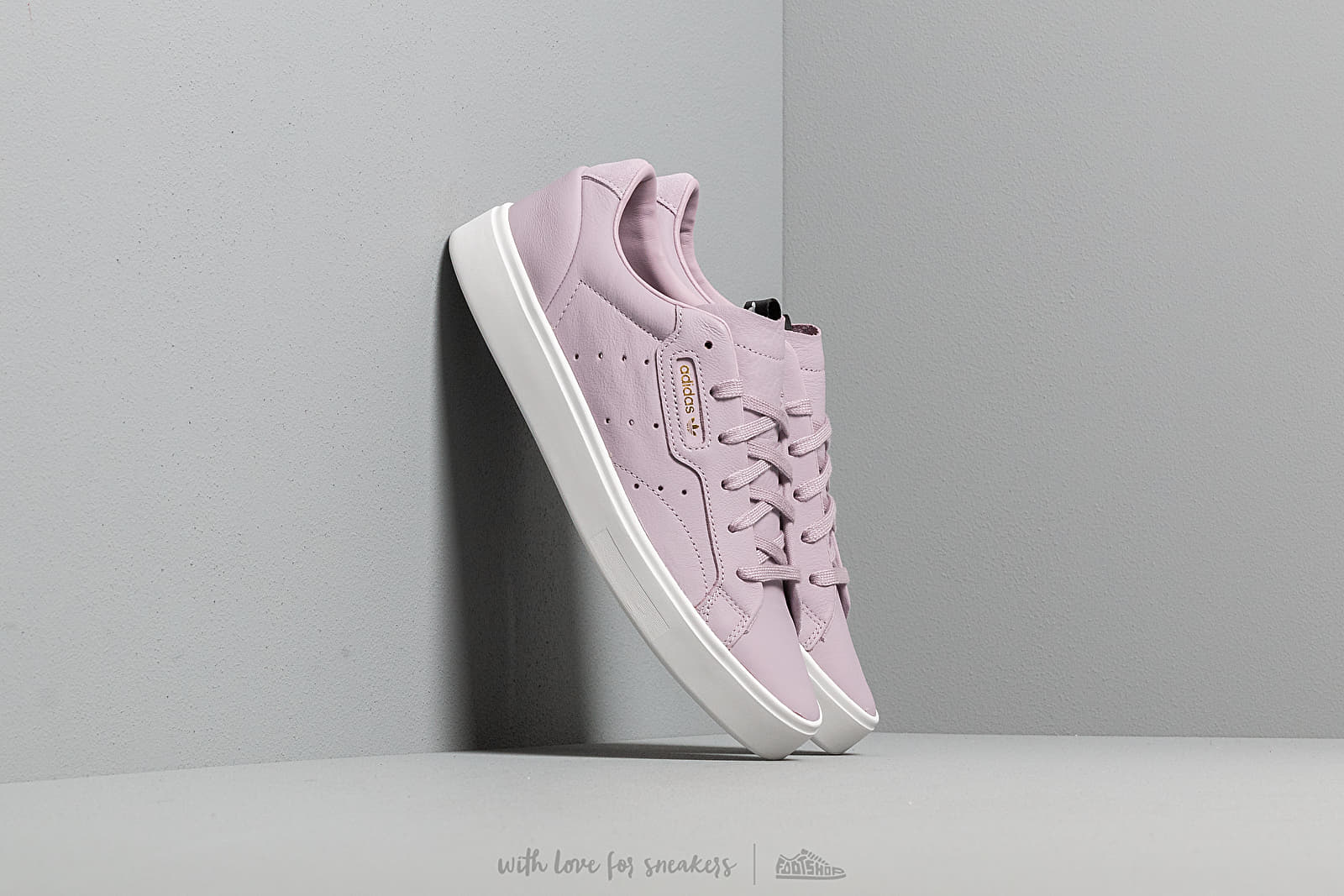 Soft Vision Adidas Sleek Leather Low Top Sneakers | C21