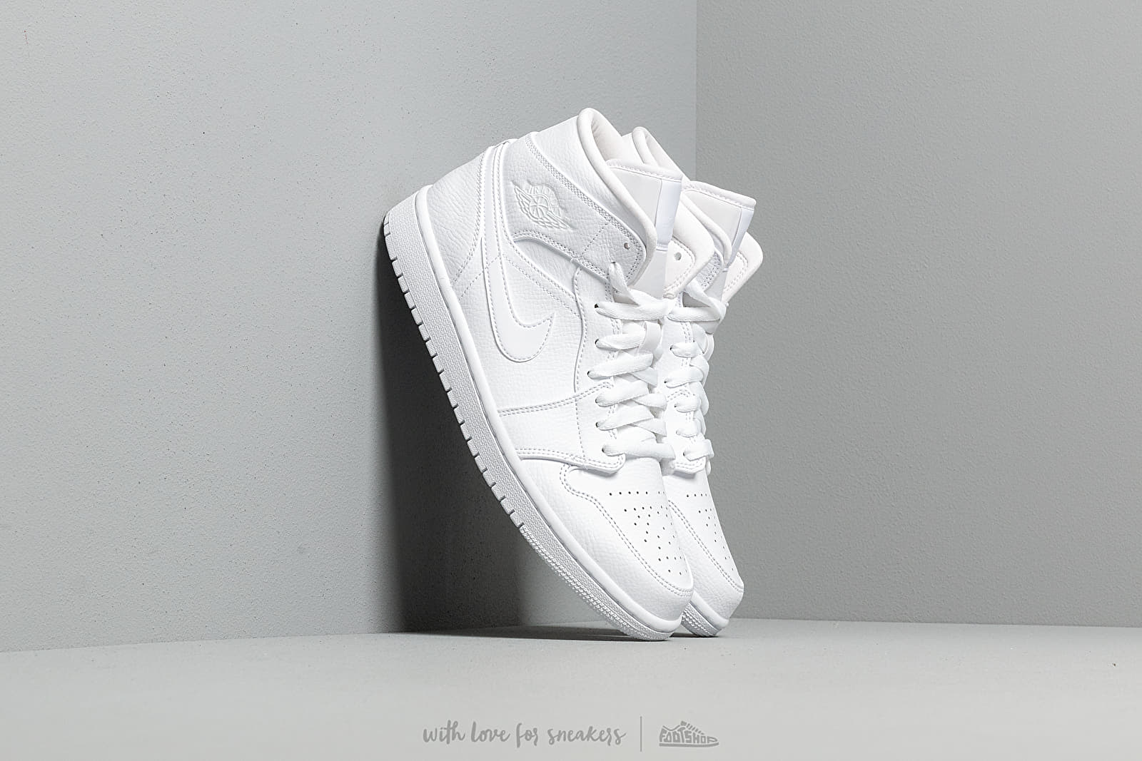 Air Jordan 1 Mid White/ White-White at a great price 103 € buy at Footshop