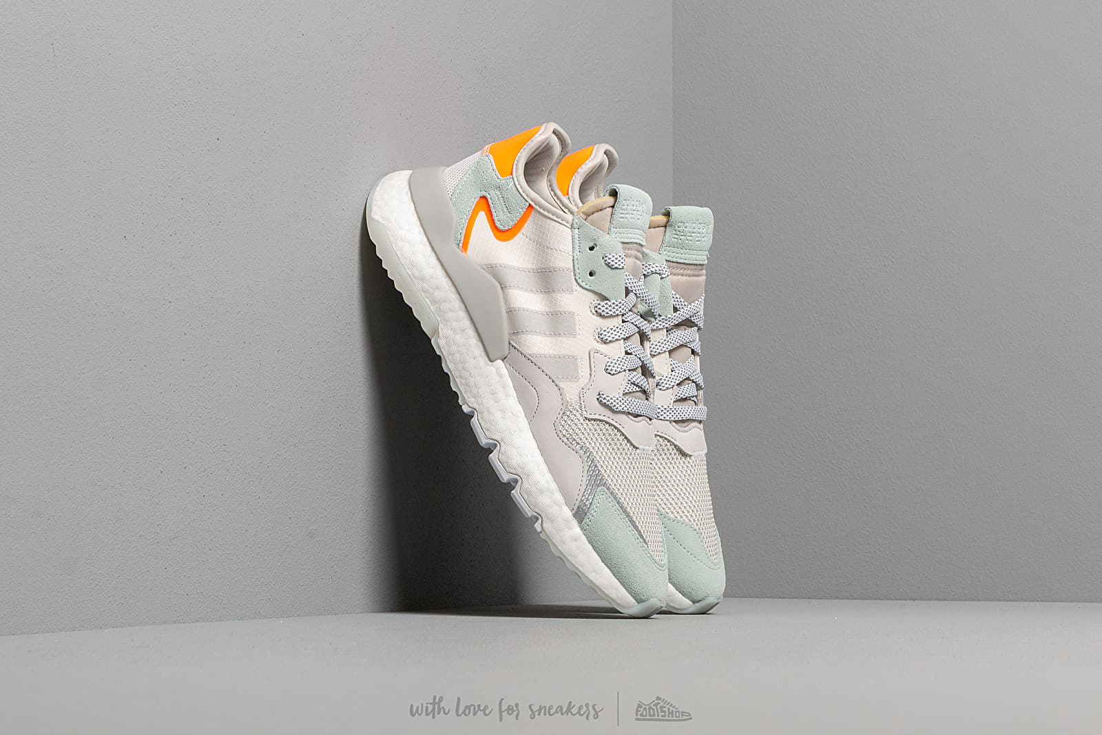 adidas Nite Jogger Raw White/ Grey One/ Vapor Green za skvělou cenu 3 390 Kč koupíte na Footshop.cz