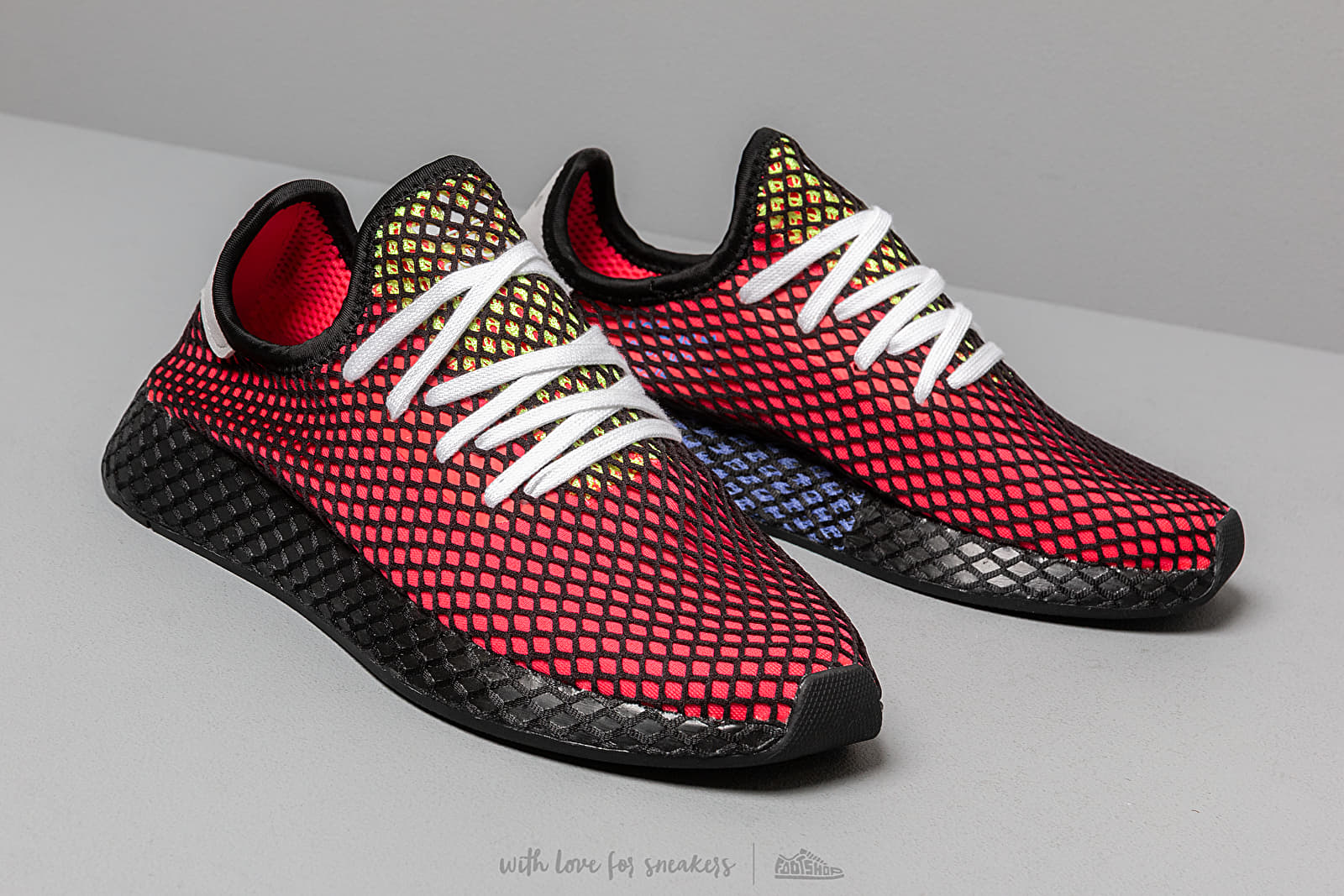 shoes adidas Deerupt Runner Shock Red