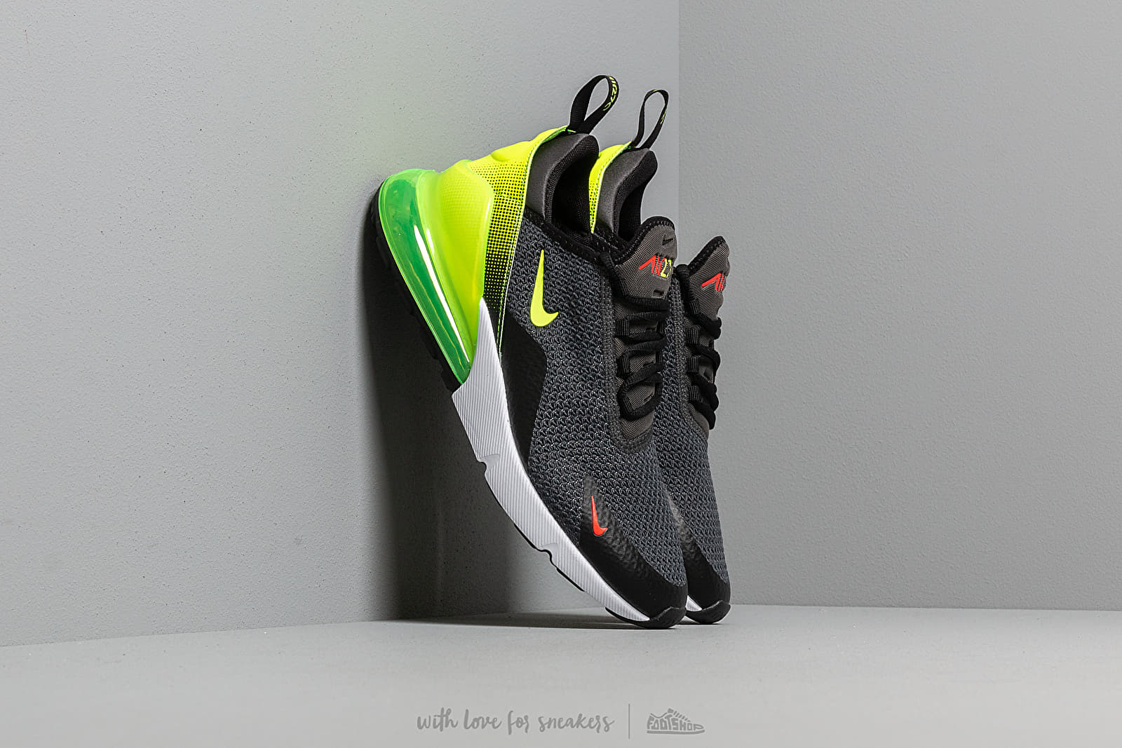 wholesale dealer 7f943 cdcbf Nike Air Max 270 Se Anthracite  Volt-Black-Bright Crimson at a great