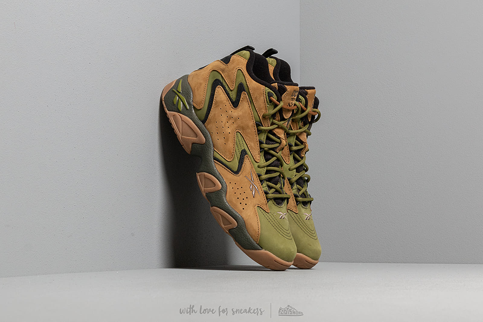 Reebok x Atmos Fly Mobius Acid Gold/ Vintage Green at a great price 143 € buy at Footshop