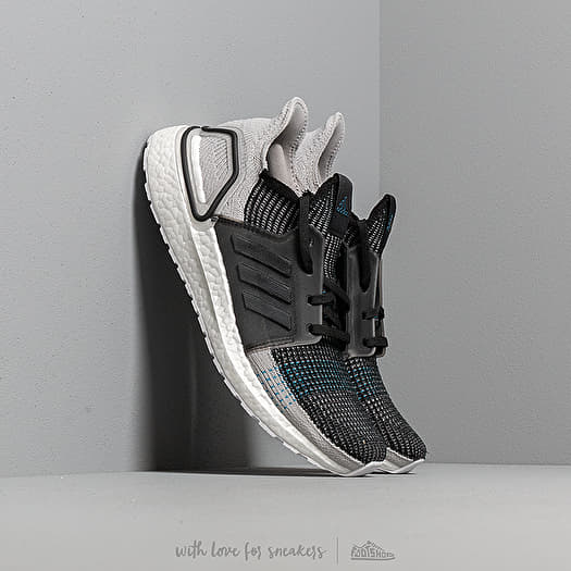 outlet store d7be7 b8252 adidas Ultra Boost | Footshop