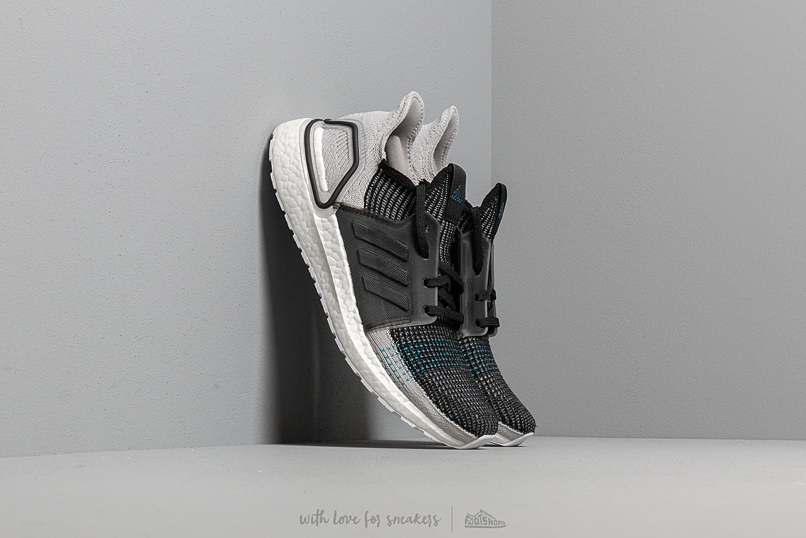 adidas UltraBOOST 19 Core Black/ Grey Six/ Shock Cyan at a great price 176 € buy at Footshop
