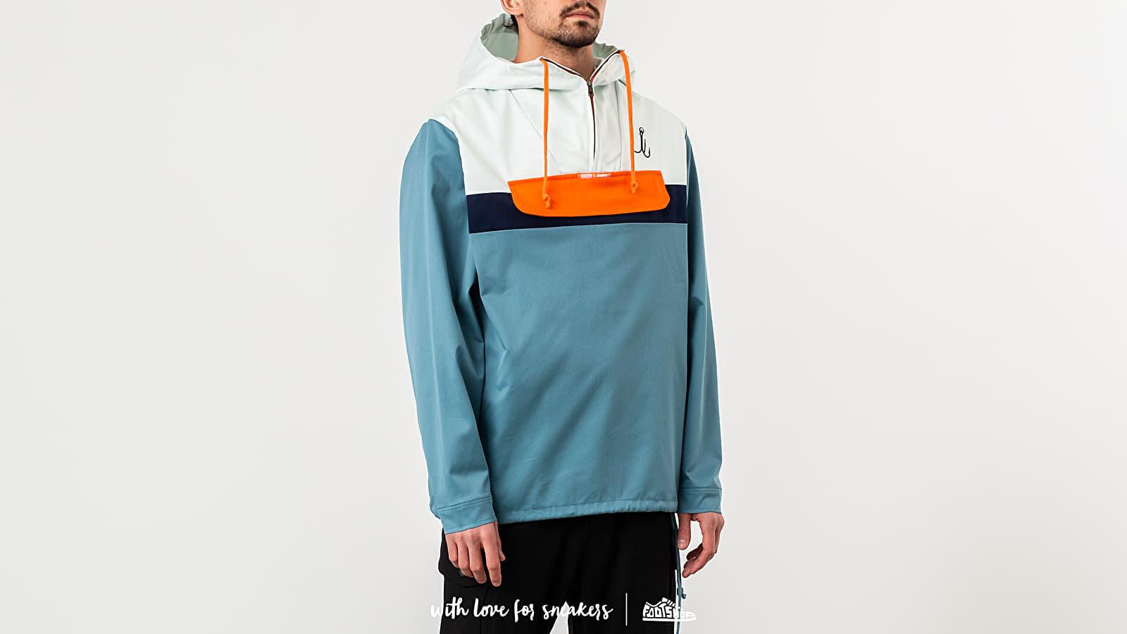 """Karhu X R-Collection: """"CATCH OF THE DAY"""" Classic Anorak Tourmaline/ Flamigo at a great price 154 € buy at Footshop"""