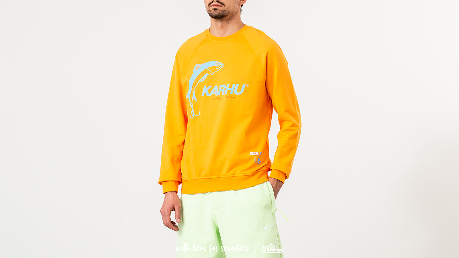 """Karhu X R-Collection: """"CATCH OF THE DAY"""" Crewneck Tangerine/ Tourmaline at a great price 95 € buy at Footshop"""