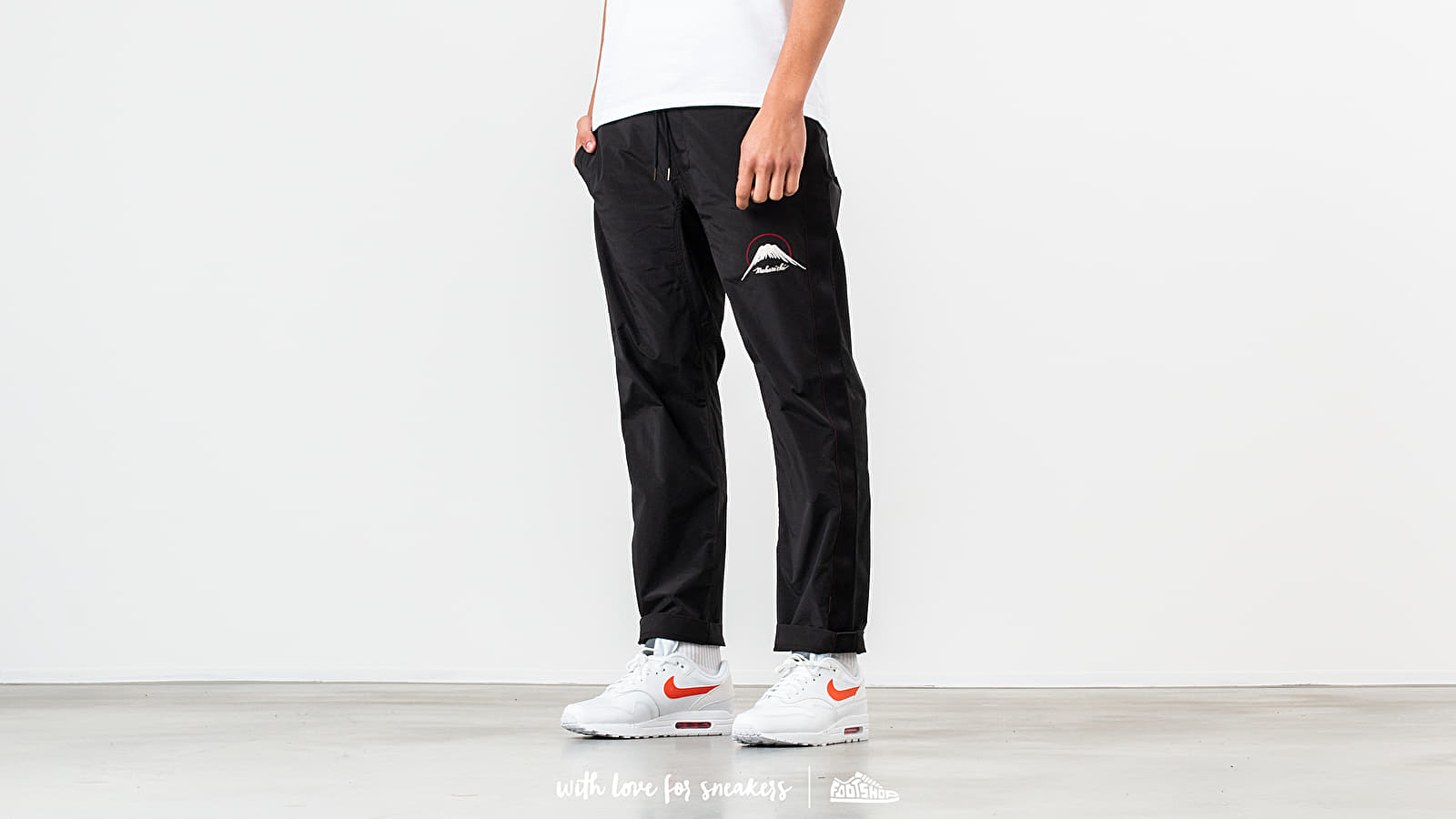 Pants and jeans maharishi Mountain Trackpants Black