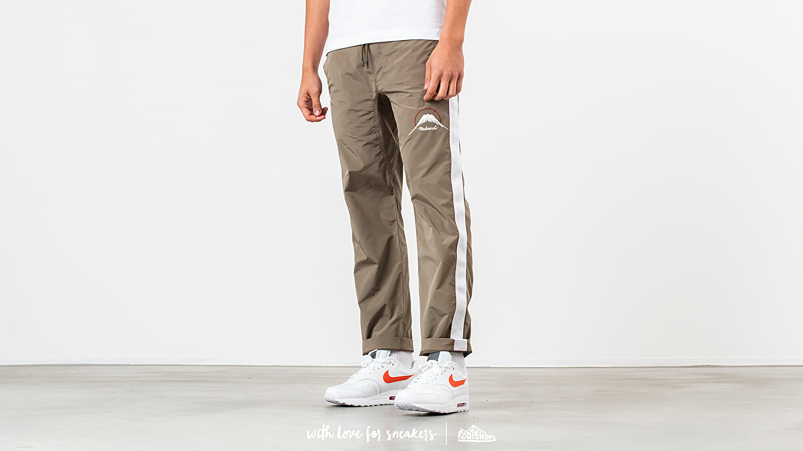 Spodnie maharishi Mountain Trackpants Olive-Fu/ White