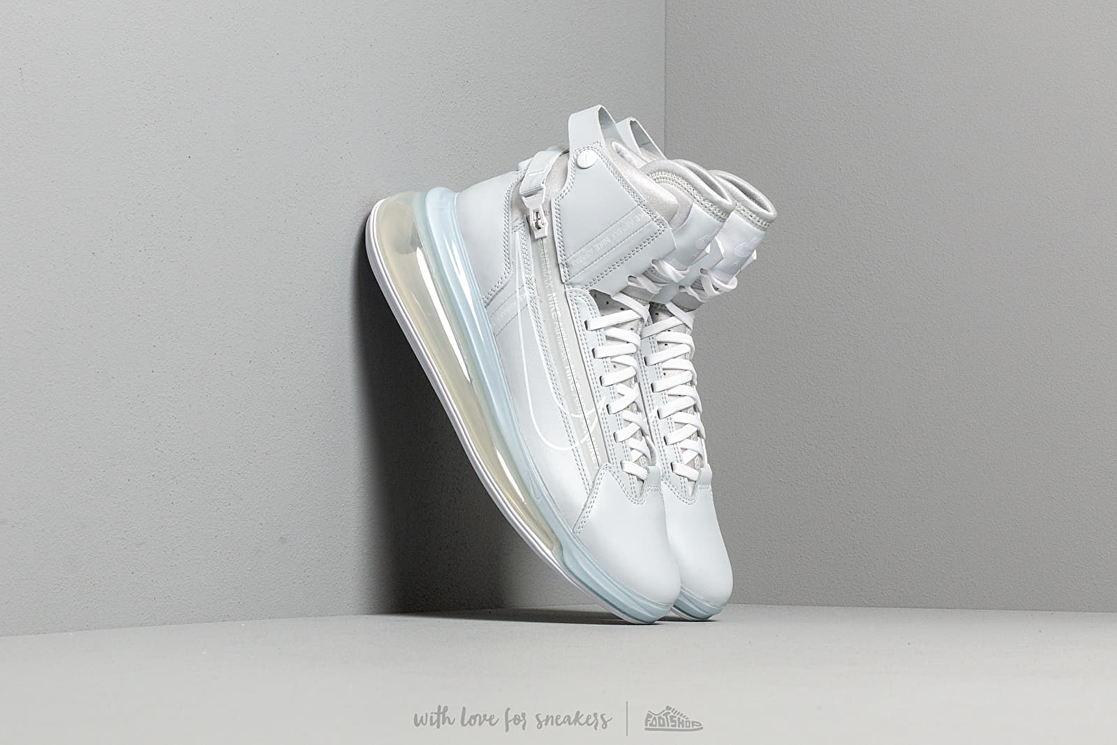 finest selection f66a4 72996 Nike Air Max 720 Saturn Pure Platinum  White at a great price 180 € buy