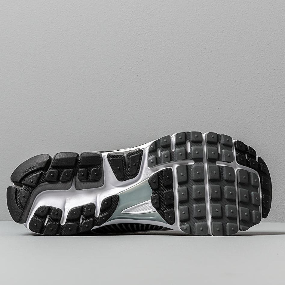 Nike Zoom Vomero 5 SE SP Dark Grey/ Black-White-Sail, Gray