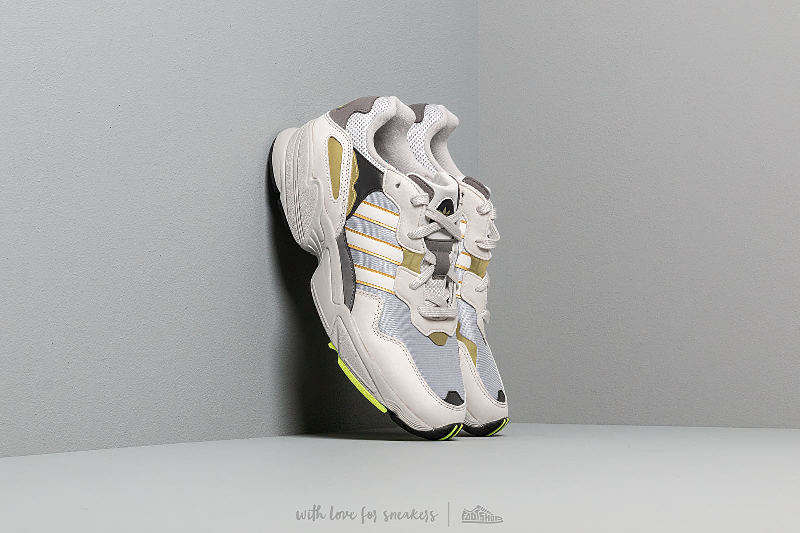 adidas Yung-96 Silver Metalic/ Grey One/ Gold Metalic za skvelú cenu 92 € kúpite na Footshop.sk