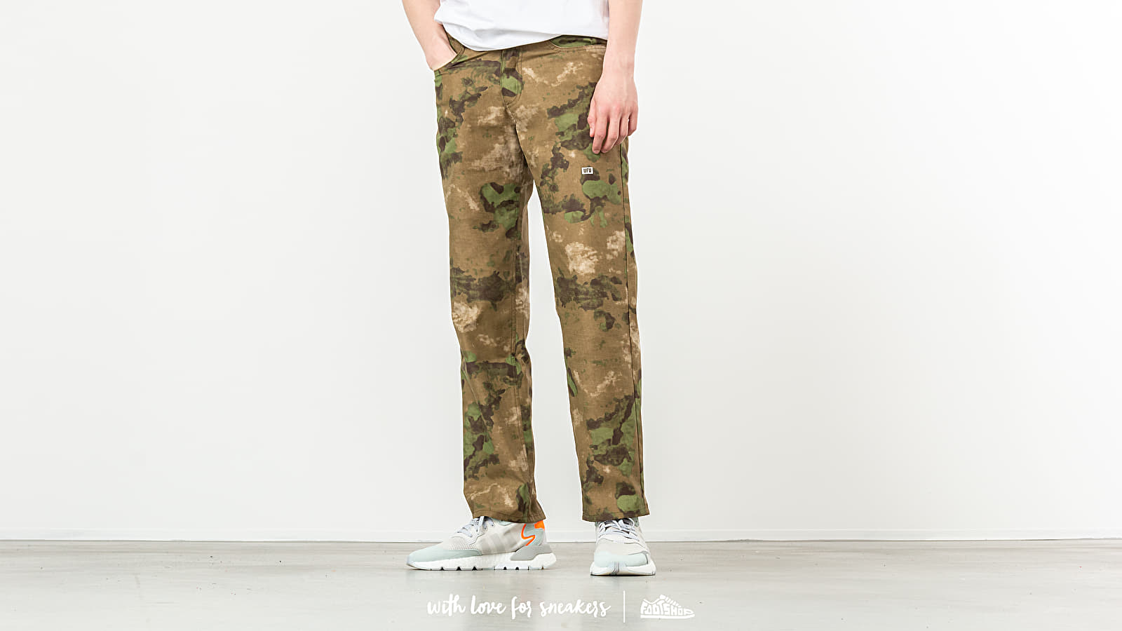 Used Future Universal Camo Pants Khaki at a great price 115 € buy at Footshop