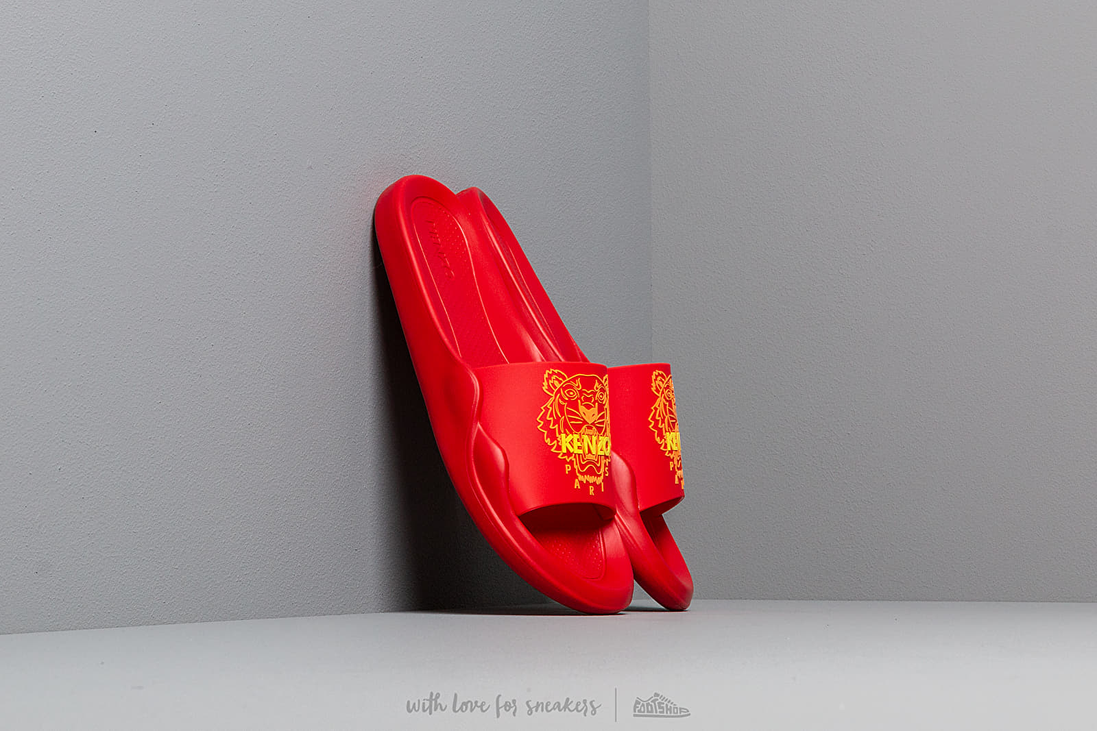 KENZO Pool Sandal Tiger Medium Red at a great price 92 € buy at Footshop