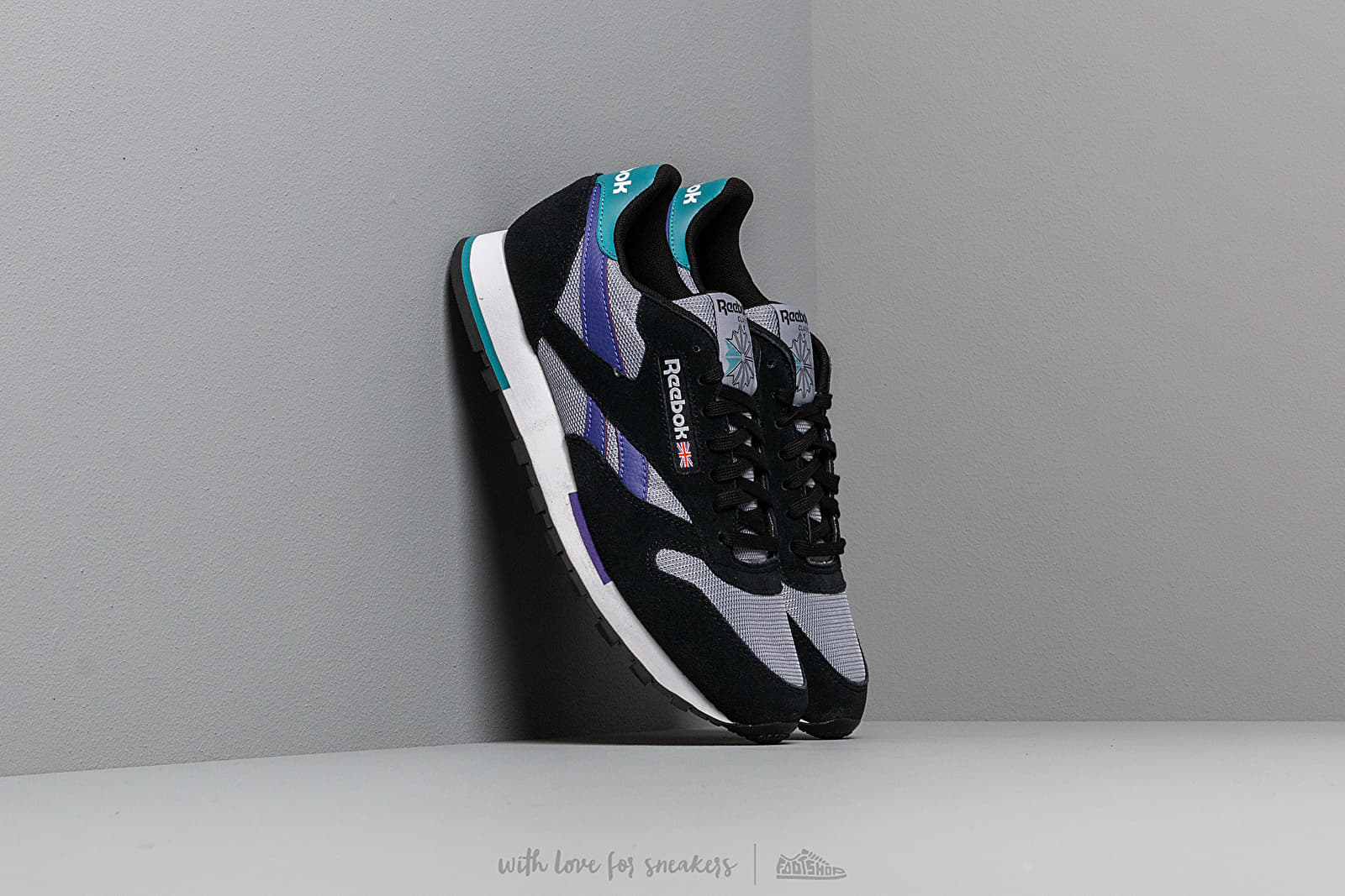 Reebok Classic Leather MU Black/ White/ Shadow/ Purple at a great price 86 € buy at Footshop