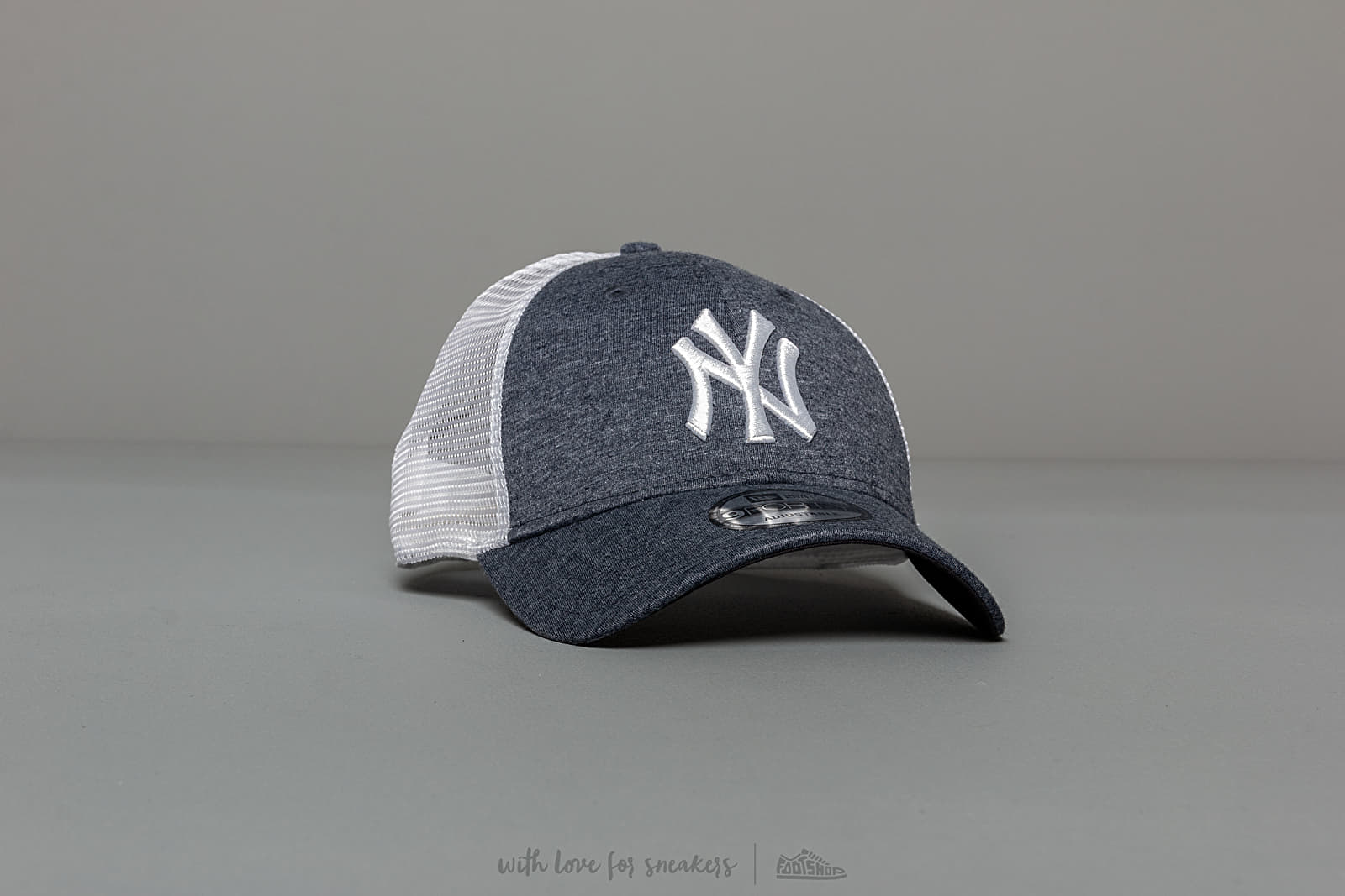 Kšiltovky New Era 9Forty MLB Summer League New York Yankees Trucker Blue