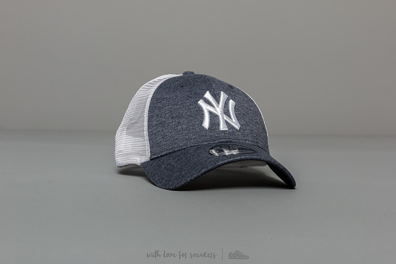New Era 9Forty MLB Summer League New York Yankees Trucker Blue za skvělou cenu 749 Kč koupíte na Footshop.cz