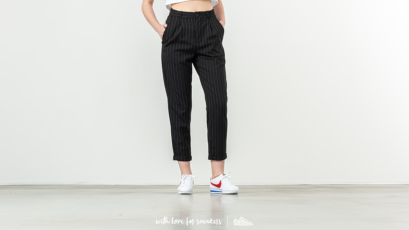 Carhartt WIP W Pullman Ankle Pant Pinstripe Black/ White za skvělou cenu 3 350 Kč koupíte na Footshop.cz