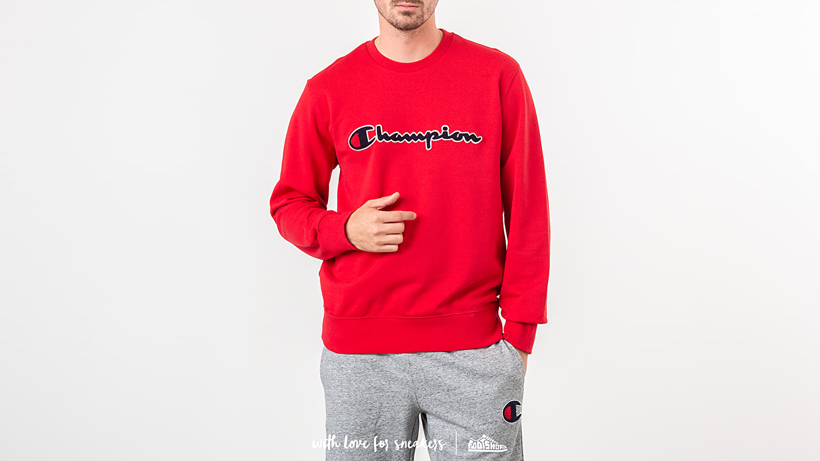 e9aba3fe51a7 Champion Crewneck Red at a great price 62 € bestell bei Footshop