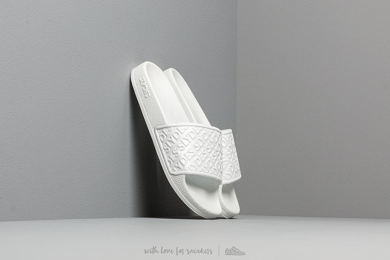 Slydes Chance Sliders White at a great price 26 € buy at Footshop