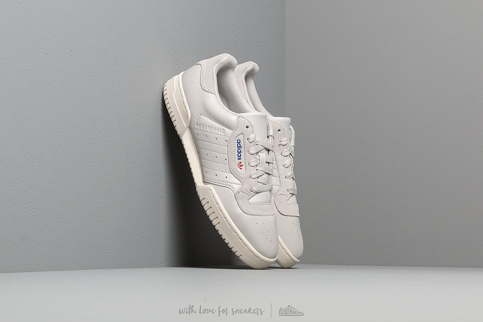 be2118035ff adidas Powerphase Grey One  Grey One  Off White at a great price 106 €
