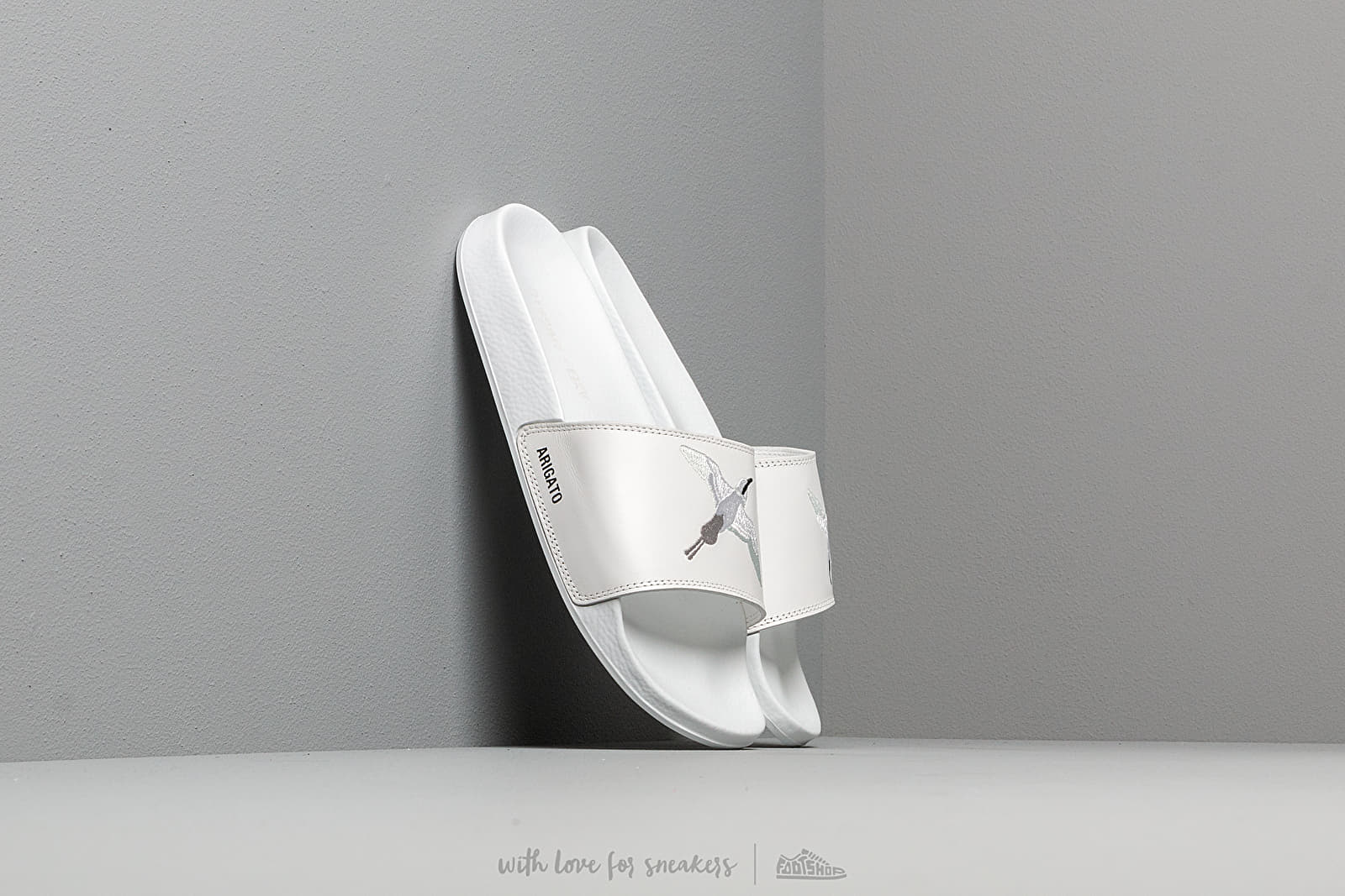 AXEL ARIGATO Tori Slides White za skvělou cenu 2 590 Kč koupíte na Footshop.cz