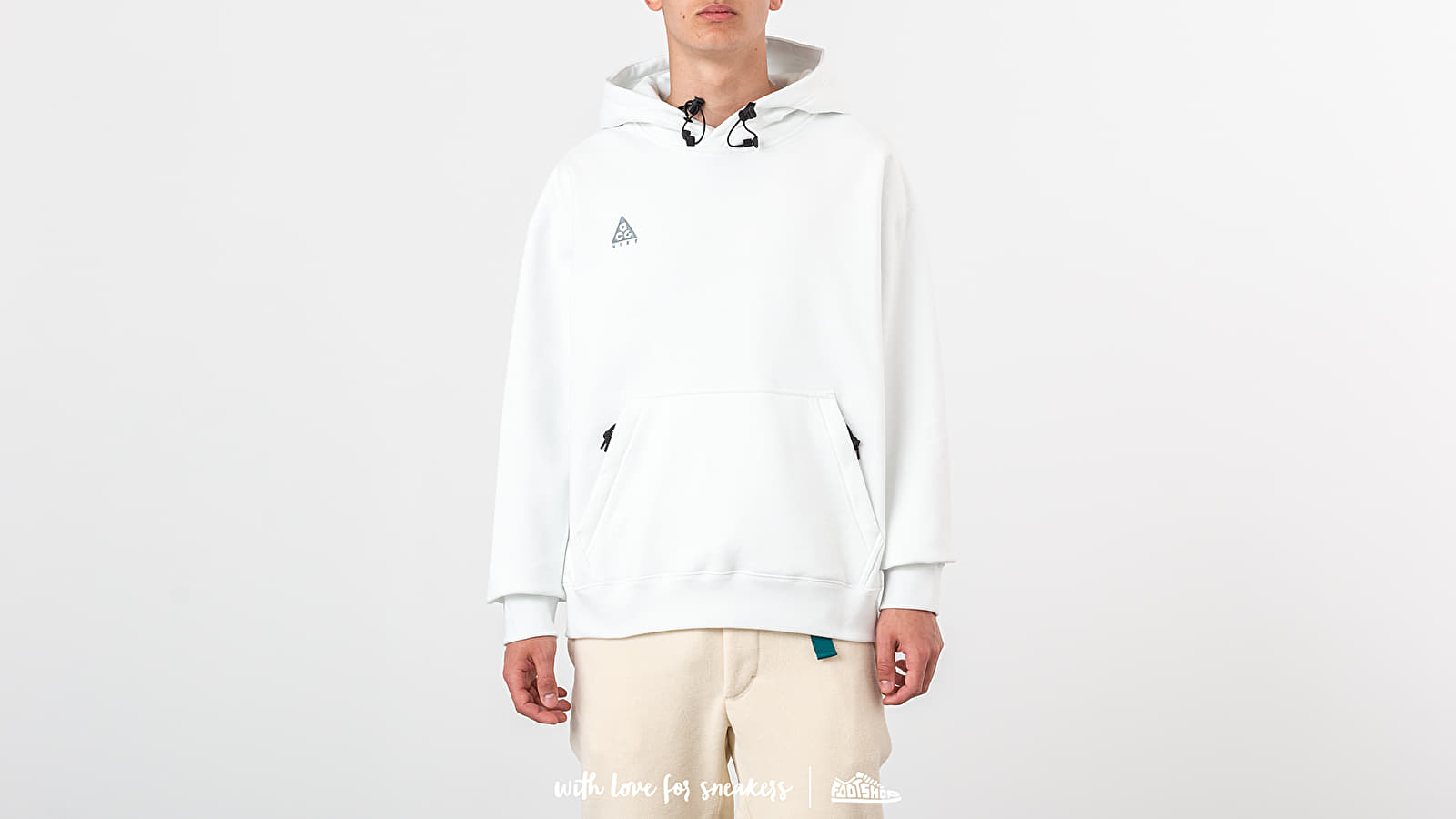 brand new ade74 ffb52 Nike NRG ACG Po Hoodie Summit White  Blue Hero at a great price 88 €