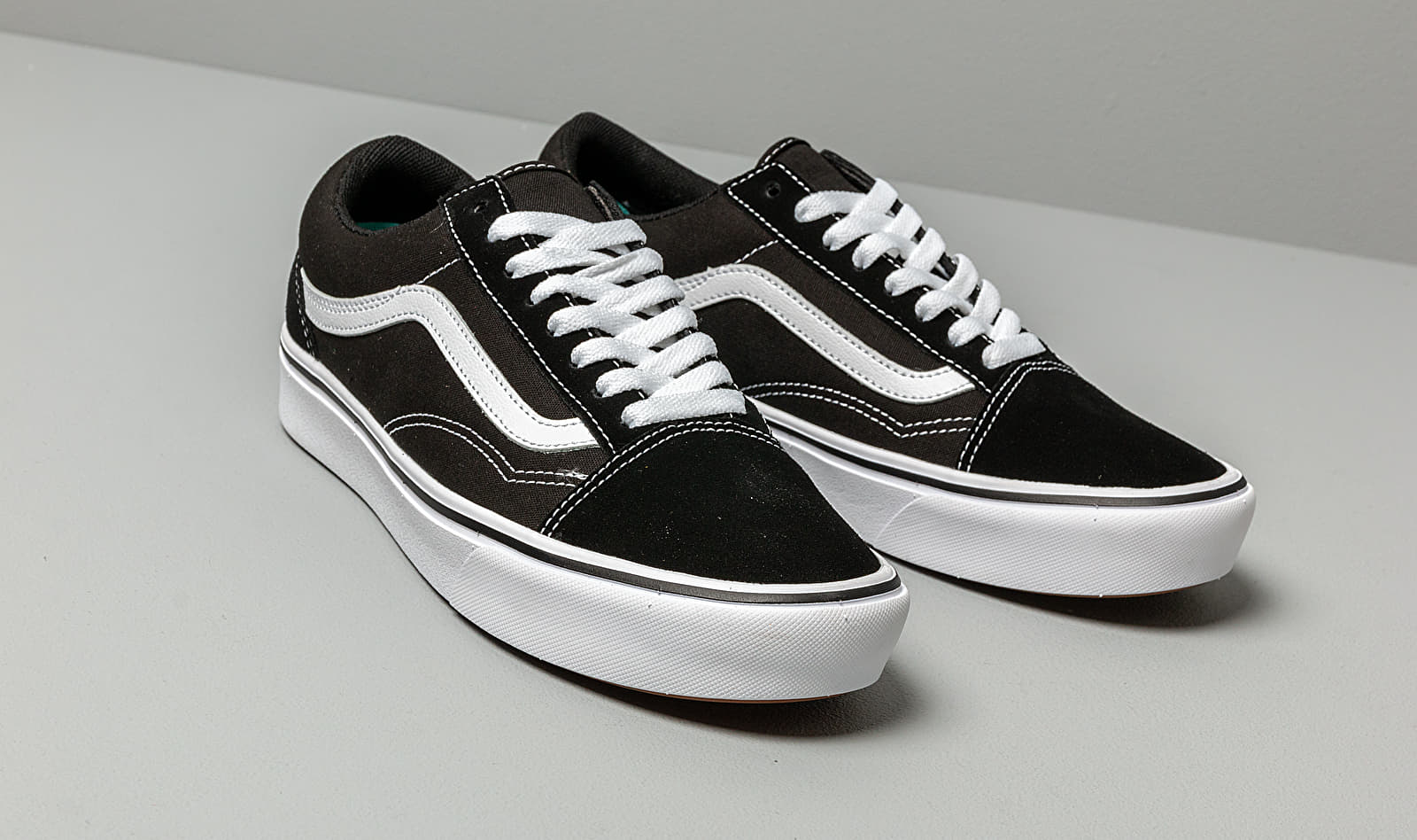 Vans ComfyCush Old Skool (Classic) Black/ True White ...