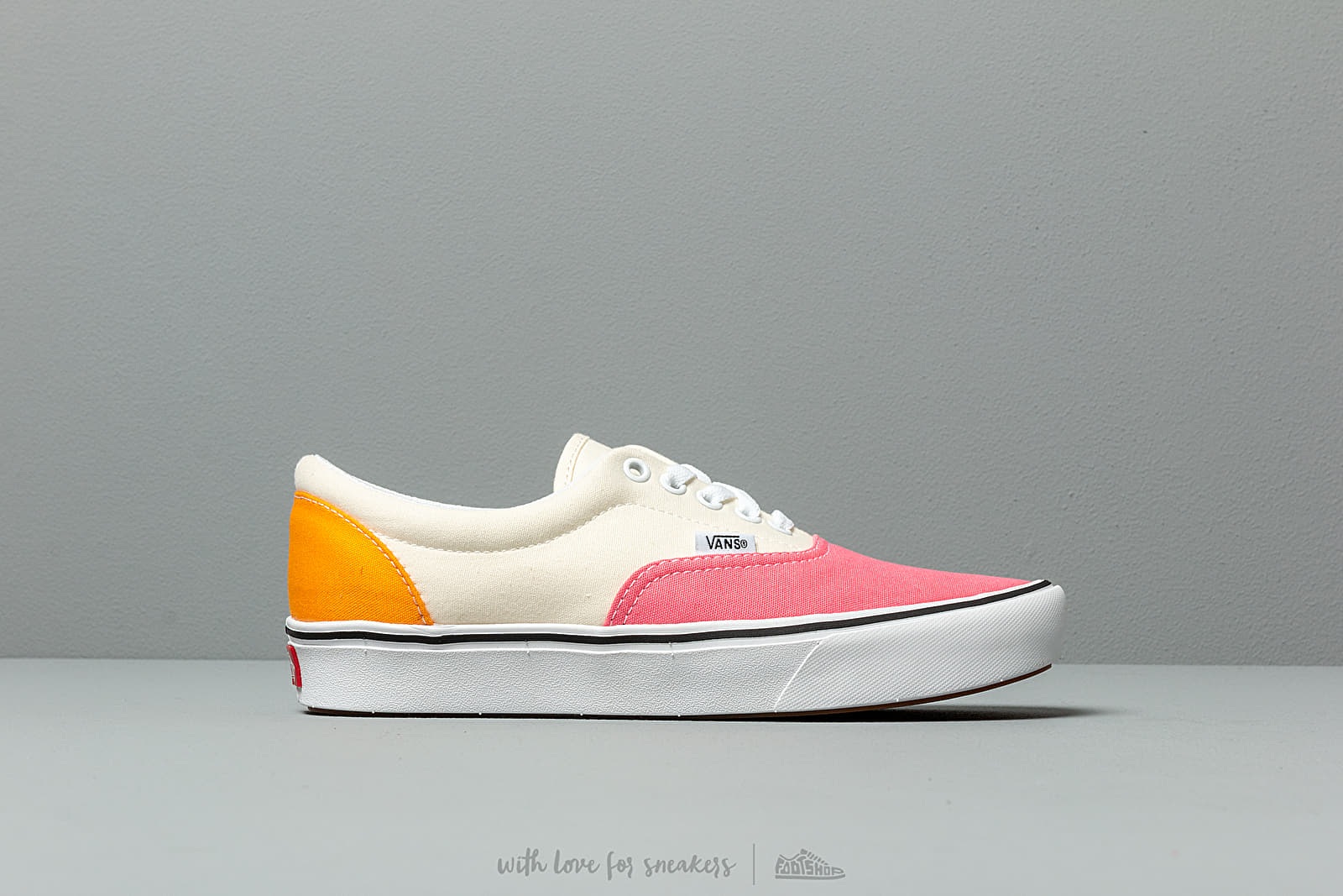 Vans ComfyCush Era (Canvas) Strawberry Pink | Footshop