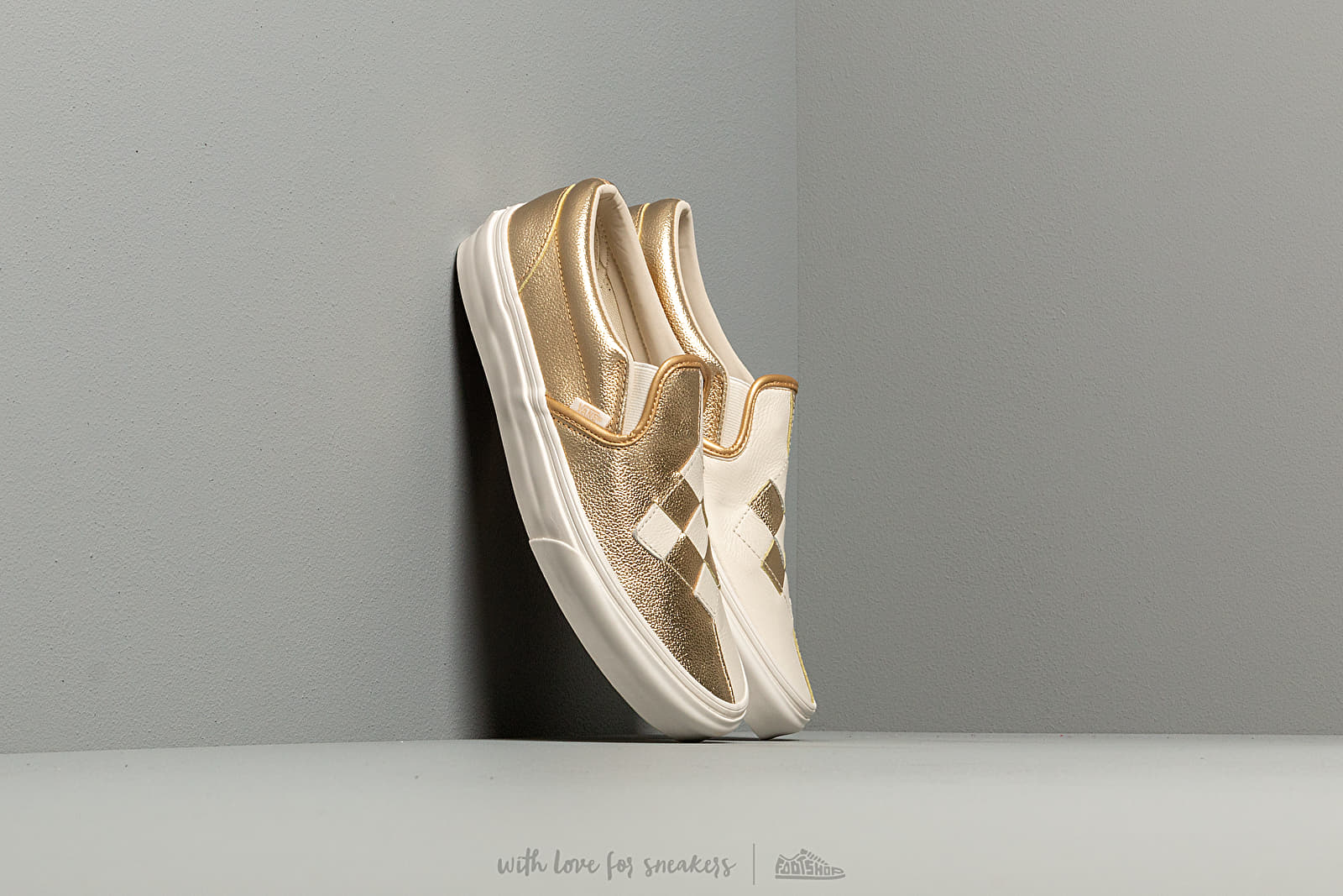 8fd3bcaaa3 Vans Classic Slip-On (Woven Leather) Brushed Gold at a great price £