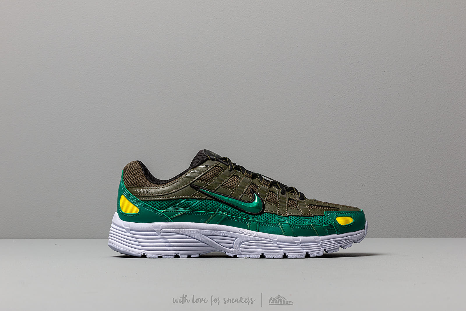 new arrivals 09928 51be4 Nike W P-6000 Cargo Khaki  Mystic Green-Black at a great price