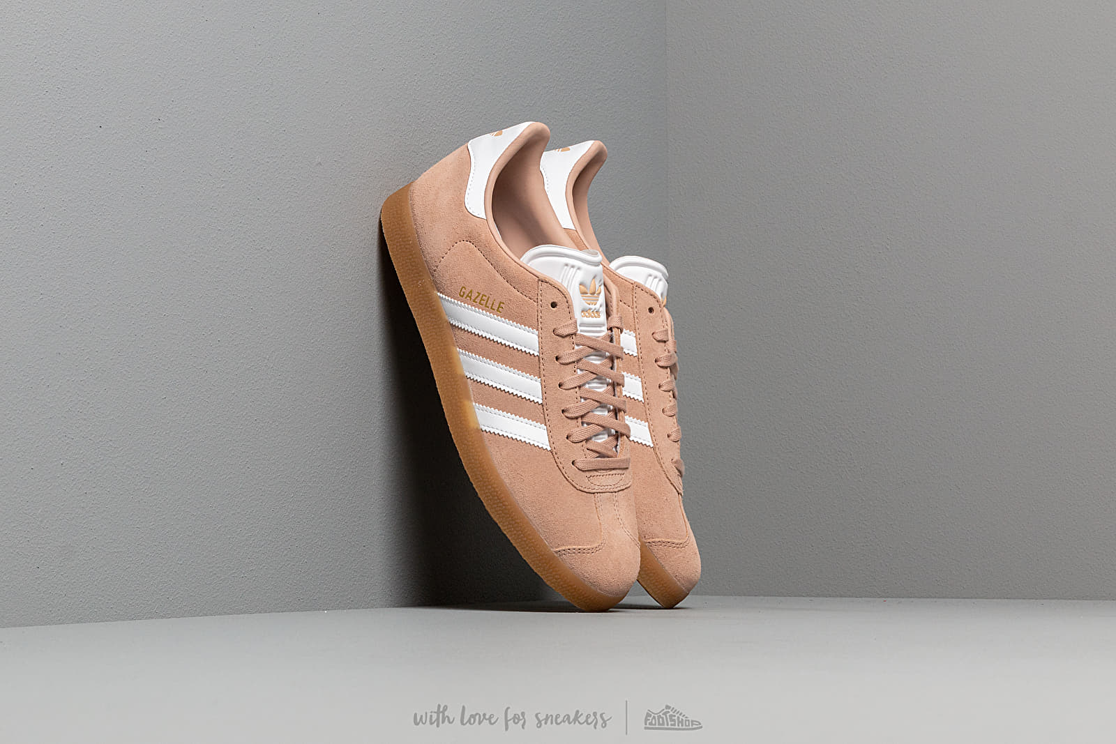 adidas Gazelle Ash Pearl/ Ftw White/ Gum3 at a great price 87 € bestell bei Footshop
