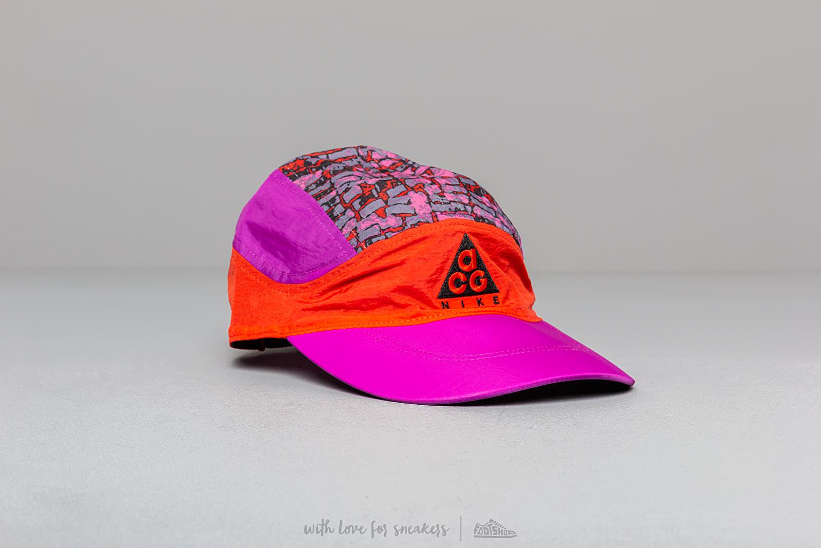 Nike NRG ACG Tailwind Cap G1 Habanero Red/ Vivid Purple/ Black/ Black za skvělou cenu 890 Kč koupíte na Footshop.cz