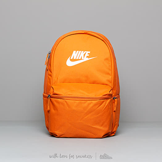 Nike Heritage Backpack Cinder Orange Foot