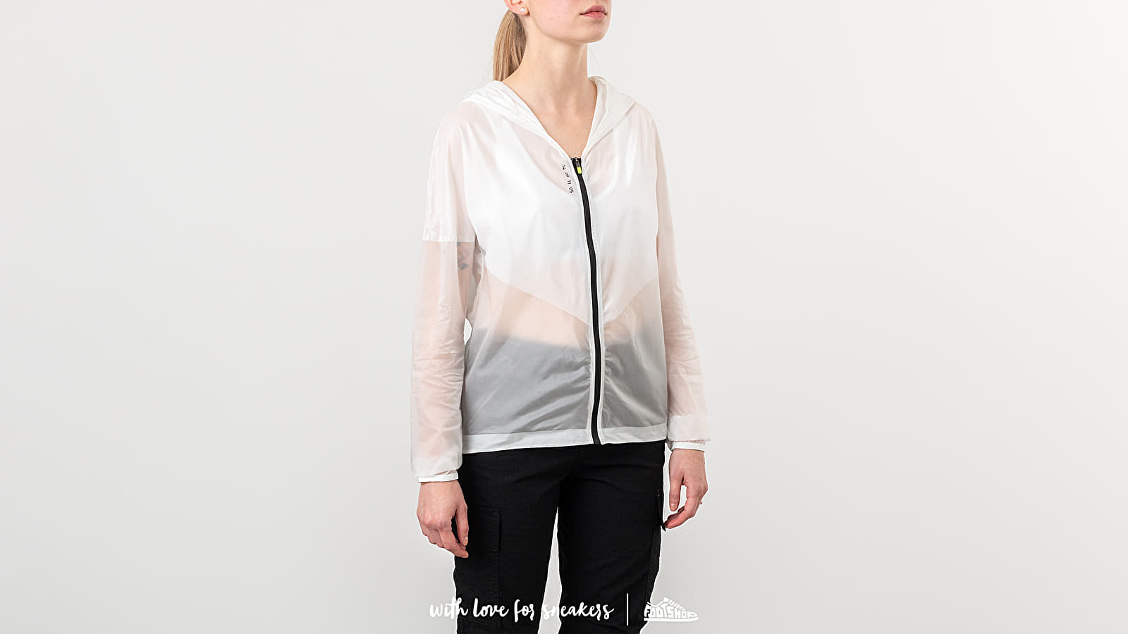 Nike Tech Pack Hooded Running Jacket Summit White/ Black at a great price 110 € buy at Footshop