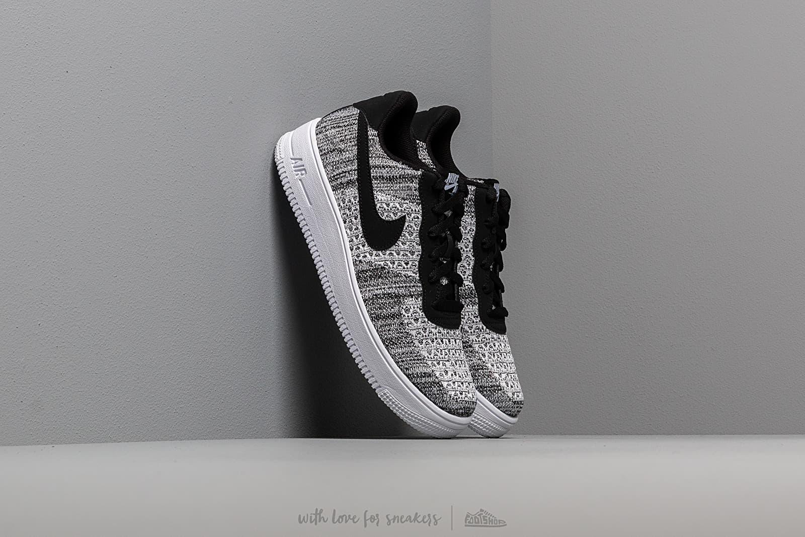Nike Air Force 1 Flyknit 2.0 (GS) Black/ Pure Platinum-White-White za skvělou cenu 2 290 Kč koupíte na Footshop.cz