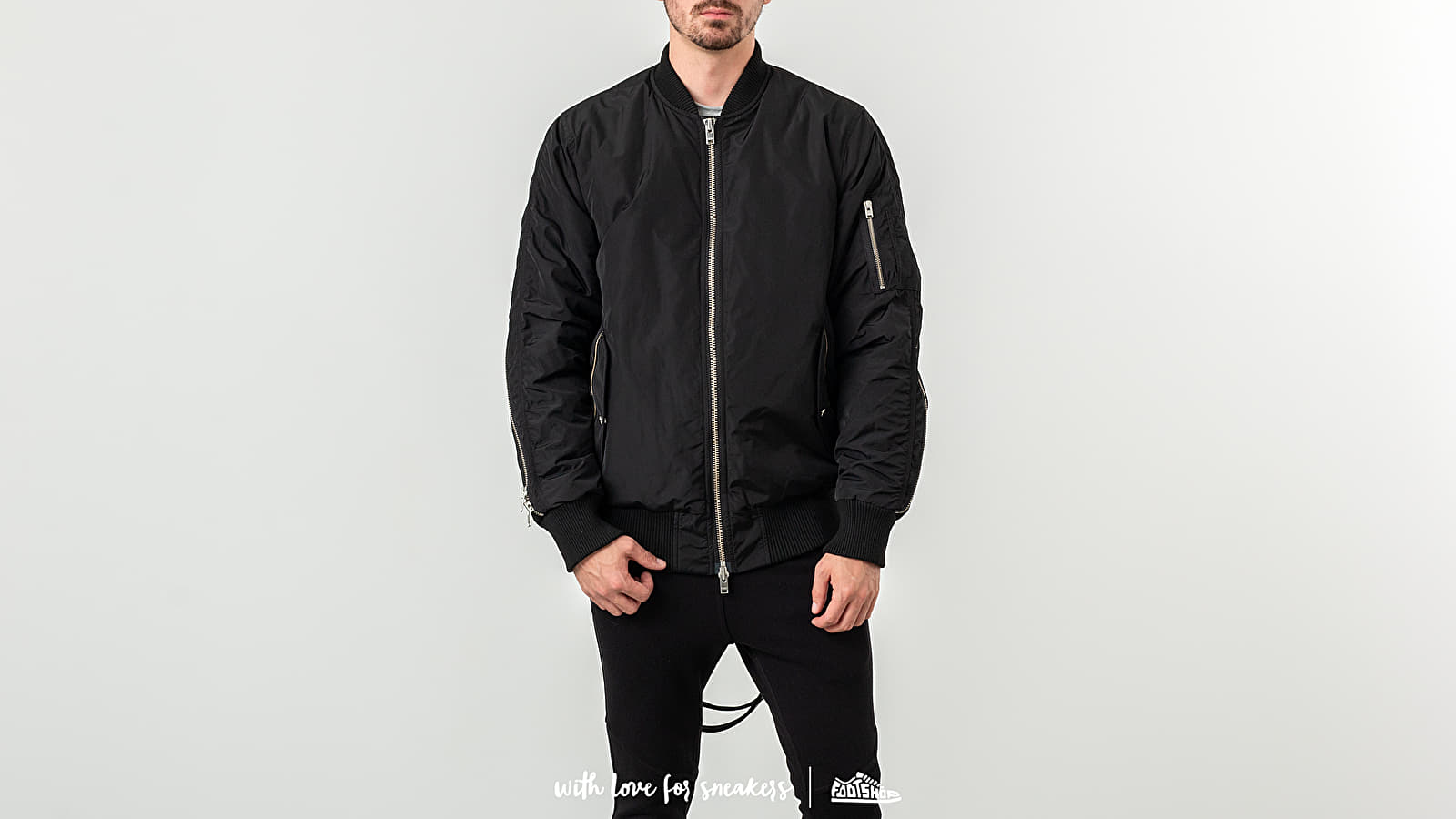 STAMPD Convoy Strap Bomber Black at a great price 403 € buy at Footshop