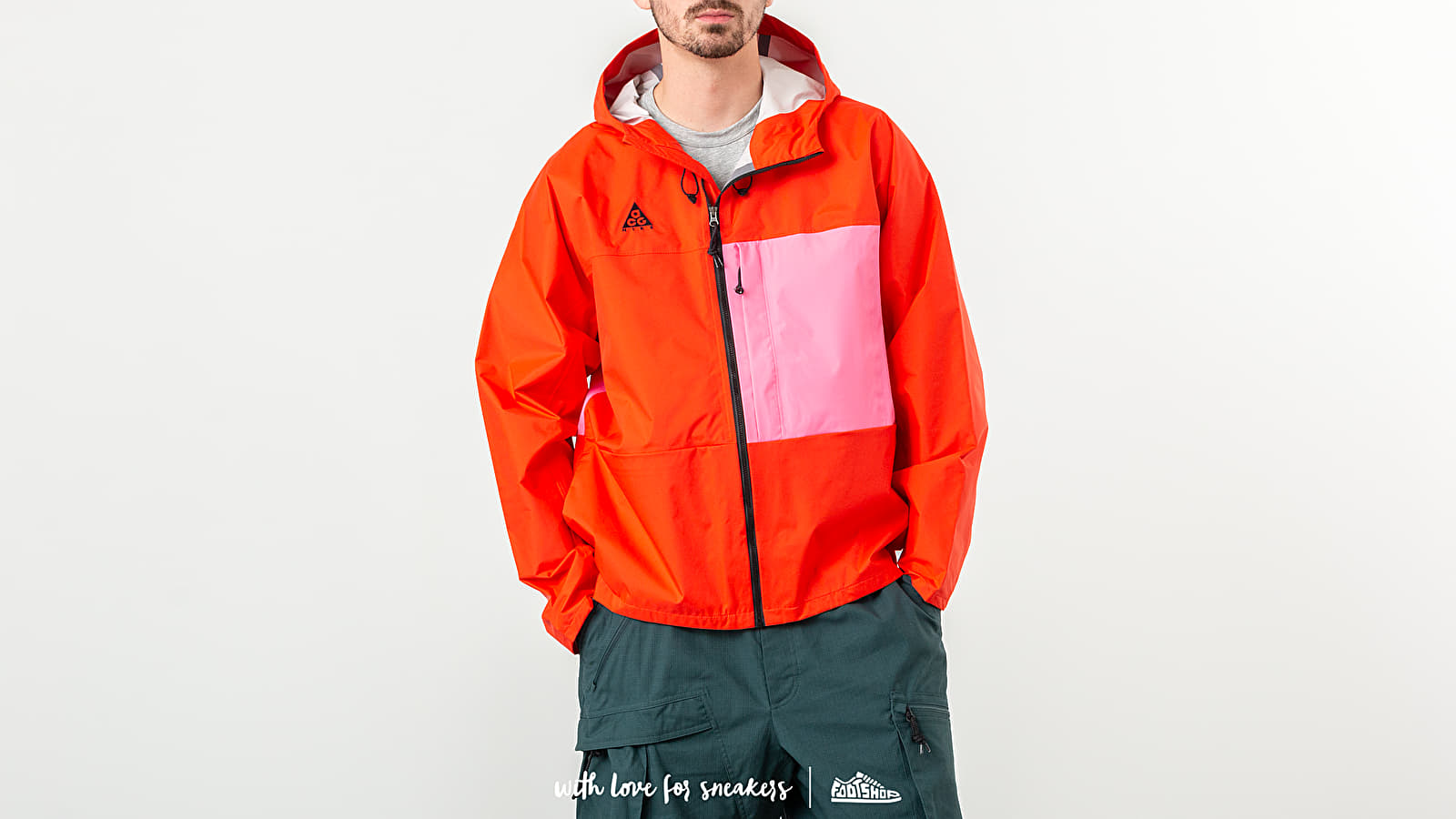 Nike NRG ACG 2.5L Packable Jacket Habanero Red/ Lotus Pink at a great price 158 € buy at Footshop