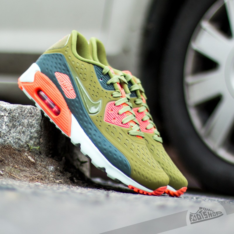 sale retailer 1f743 eff3f Nike Air Max 90 Ultra BR. Green  Bright Crimson