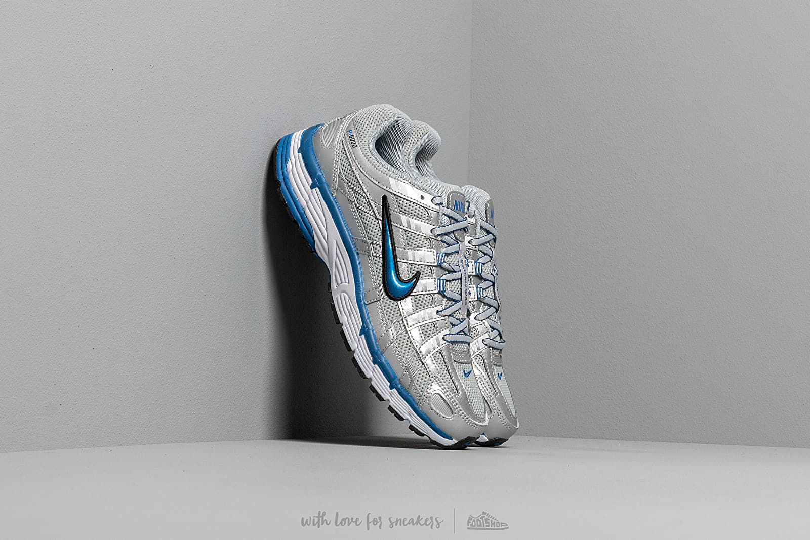591c41db4cf2e Nike W P-6000 Metallic Silver  Team Royal-White-Black at a