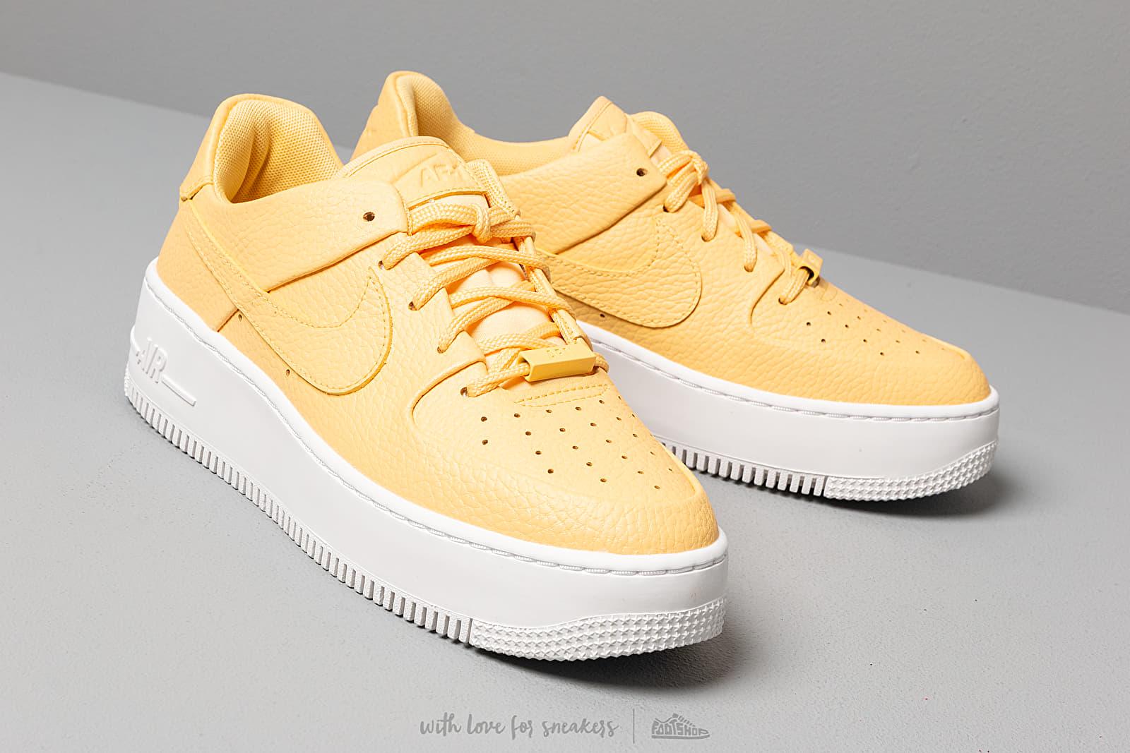 Buty Damskie Nike WMNS Air Force 1 Sage Low Topaz Gold