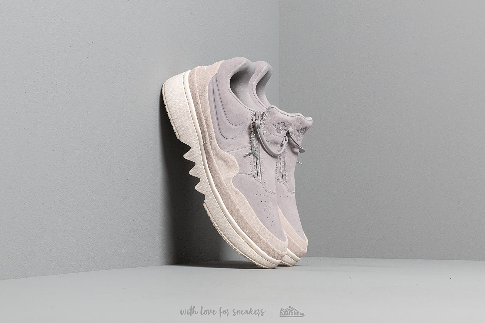 Women's shoes Air Jordan W 1 Jester Xx Low Atmosphere Grey/ Desert Sand-Pale Ivory