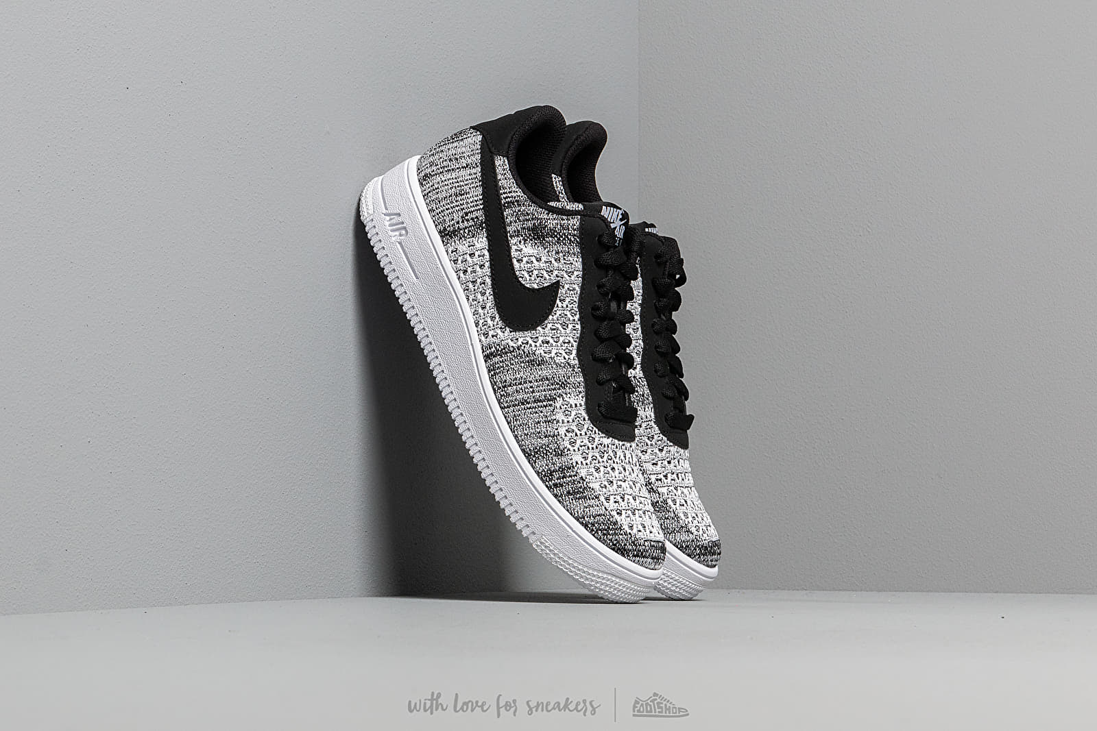 Penetrar Fascinar fresa  Men's shoes Nike Air Force 1 Flyknit 2.0 Black/ Pure Platinum-Black-White