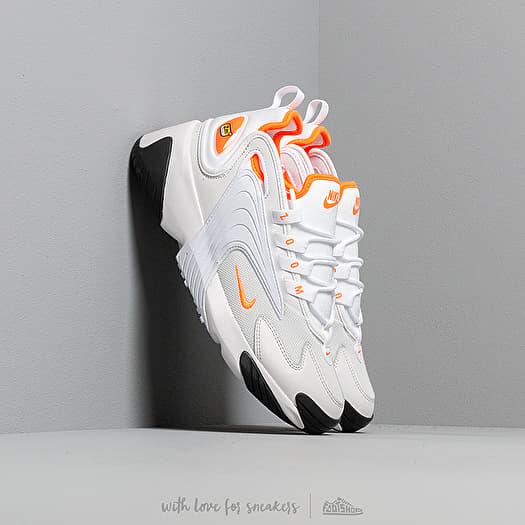 Nike Zoom 2K Women platinum tintwhiteblackhyper crimson