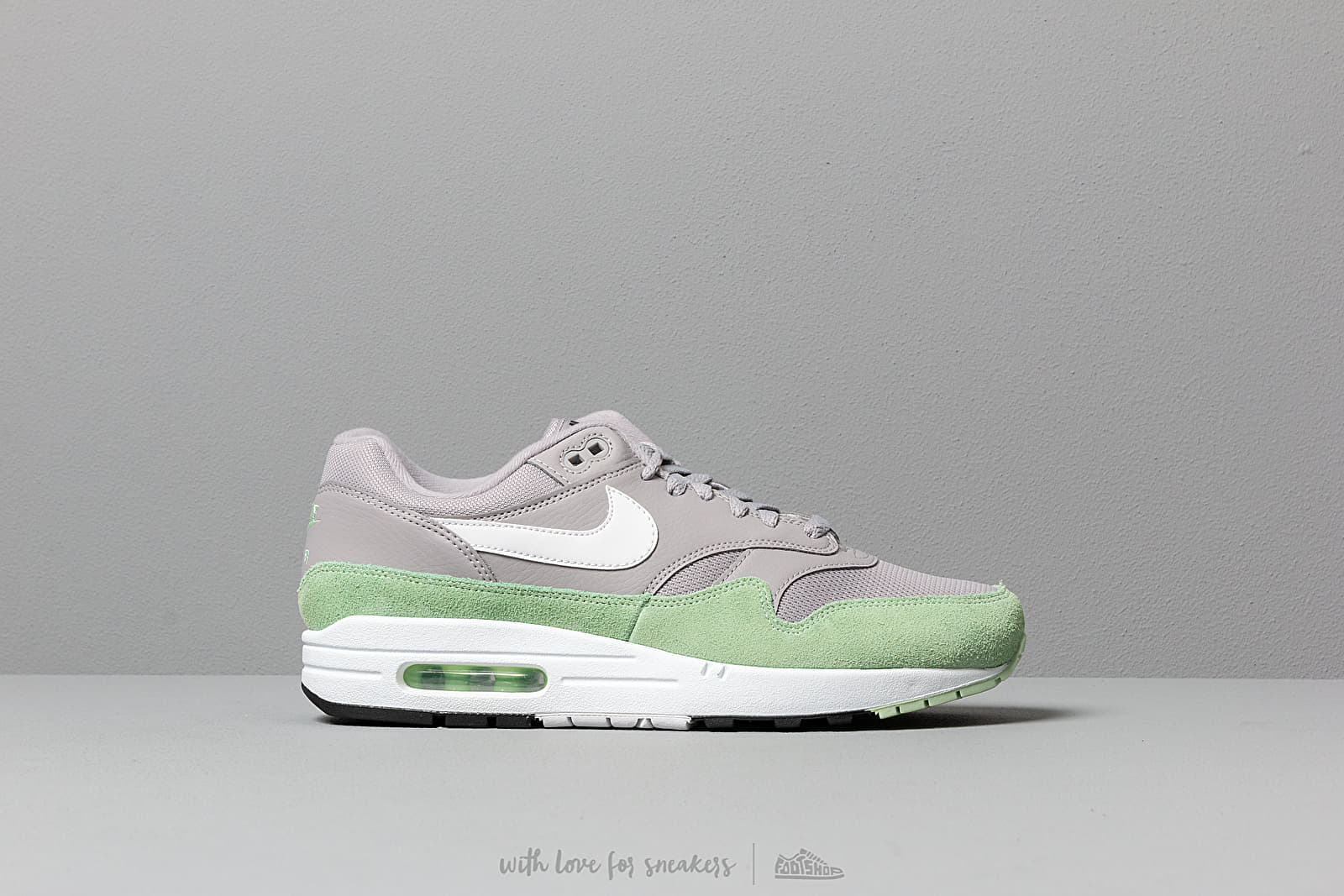 Nike Air Max 1 Atmosphere Grey White Fresh Mint Black
