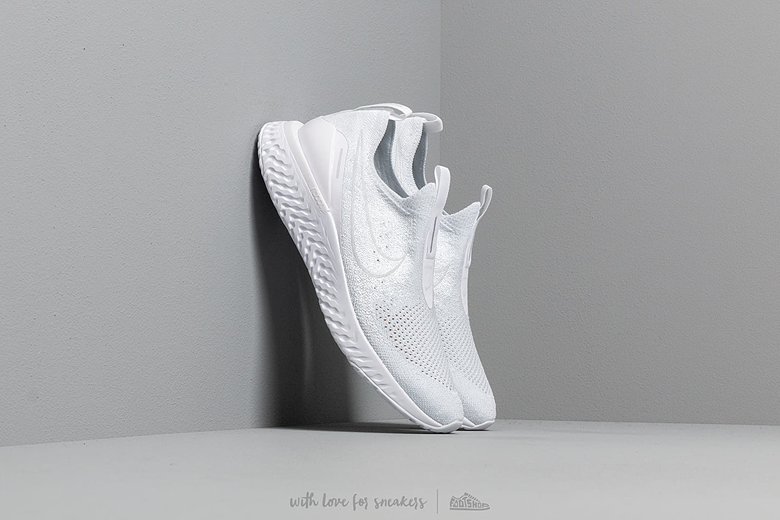 Women's shoes Nike W Epic Phantom React Flyknit White/ White-Pure Platinum