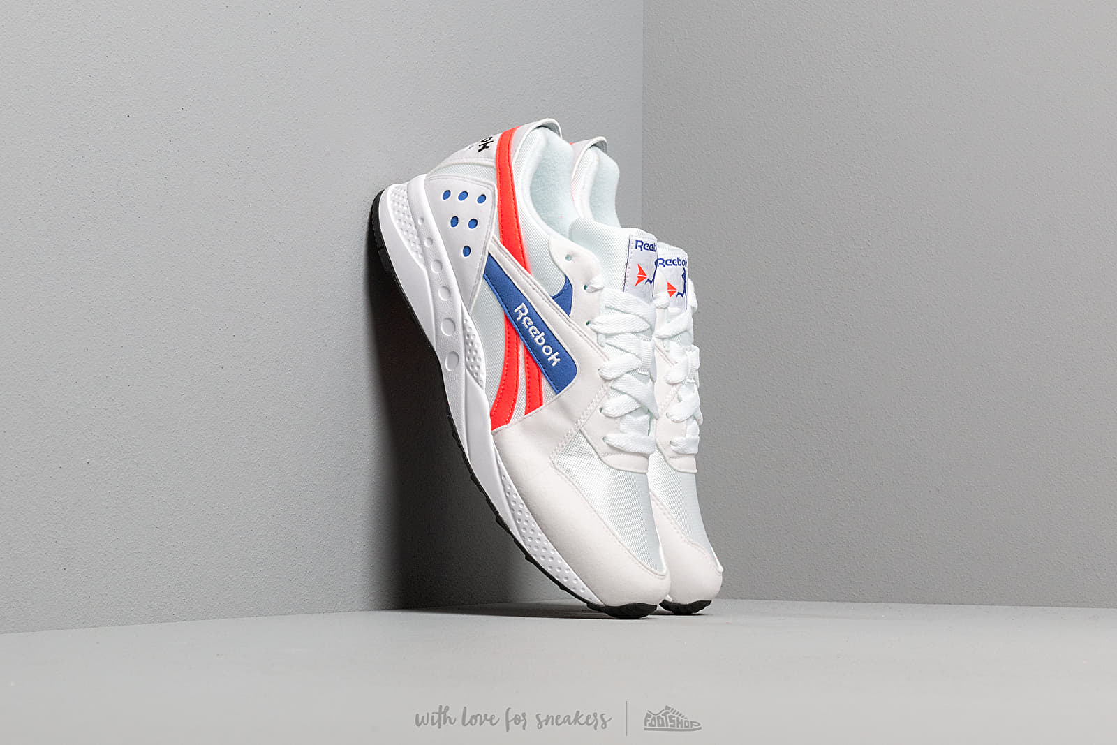 Reebok Pyro White/ Neon Red/ Cobalt at a great price 86 € buy at Footshop