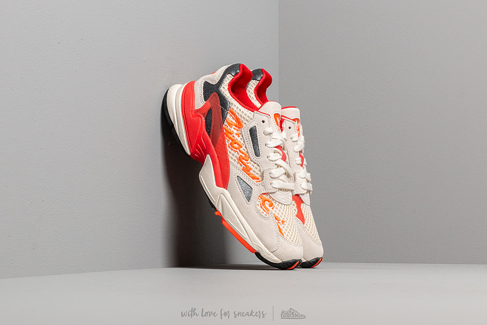 Női cipők adidas by Fiorucci Falcon W Off White/ Red/ Solar Orange