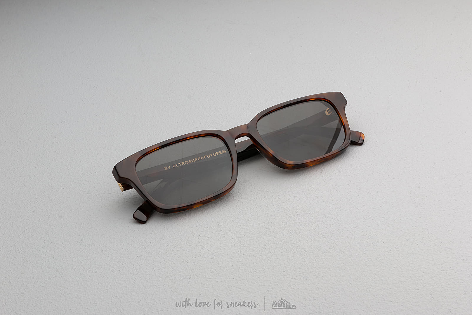 RETROSUPERFUTURE Regola Sunglasses